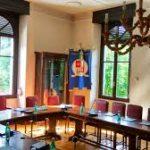 Immagine della sala consiliare del Comune di San Pellegrino Terme